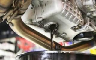 Почему быстро чернеет масло в двигателе