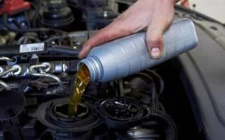 Через сколько км менять масло в двигателе