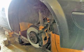 Замена сайлентблоков передних рычагов рено меган 2